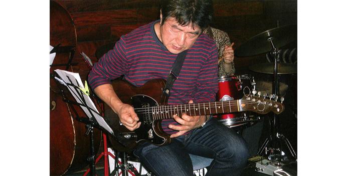 teacher_main_guitar_松井洋