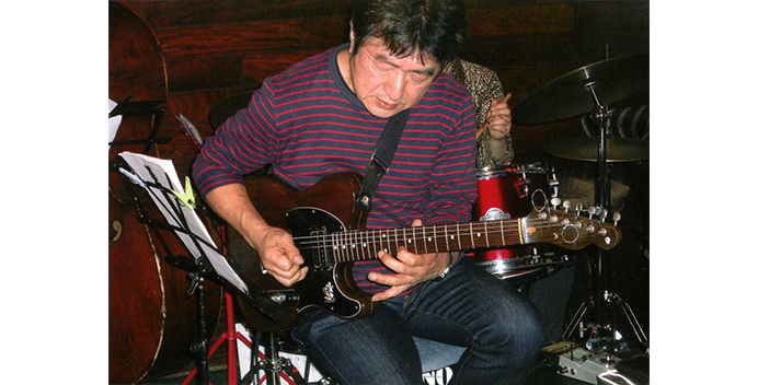 teacher_main_guitar_松井洋