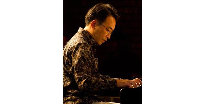 teacher_main_piano_外谷東